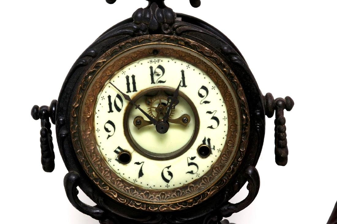 A NEW HAVEN SEATED STATUE CLOCK - 3
