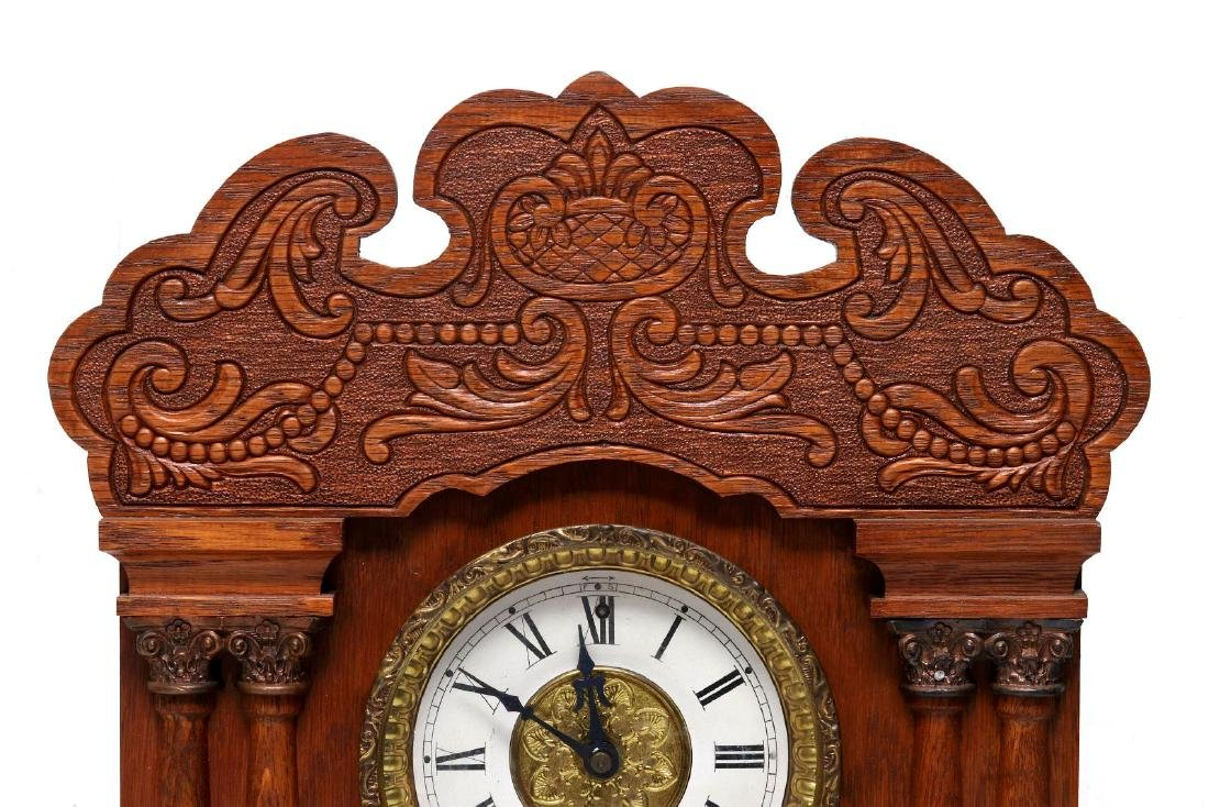 A NEW HAVEN CLOCK CO. GINGERBREAD MANTLE CLOCK - 2