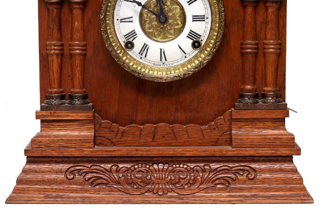 A NEW HAVEN CLOCK CO. GINGERBREAD MANTLE CLOCK - 3