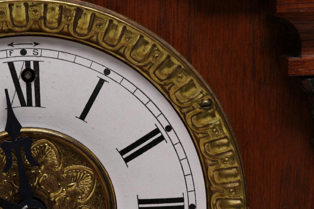 A NEW HAVEN CLOCK CO. GINGERBREAD MANTLE CLOCK - 6