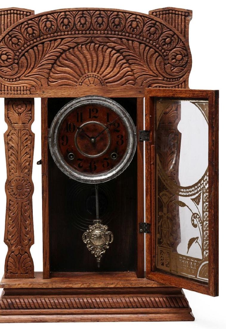 AN INGRAHAM FANCY GINGERBREAD KITCHEN CLOCK - 5