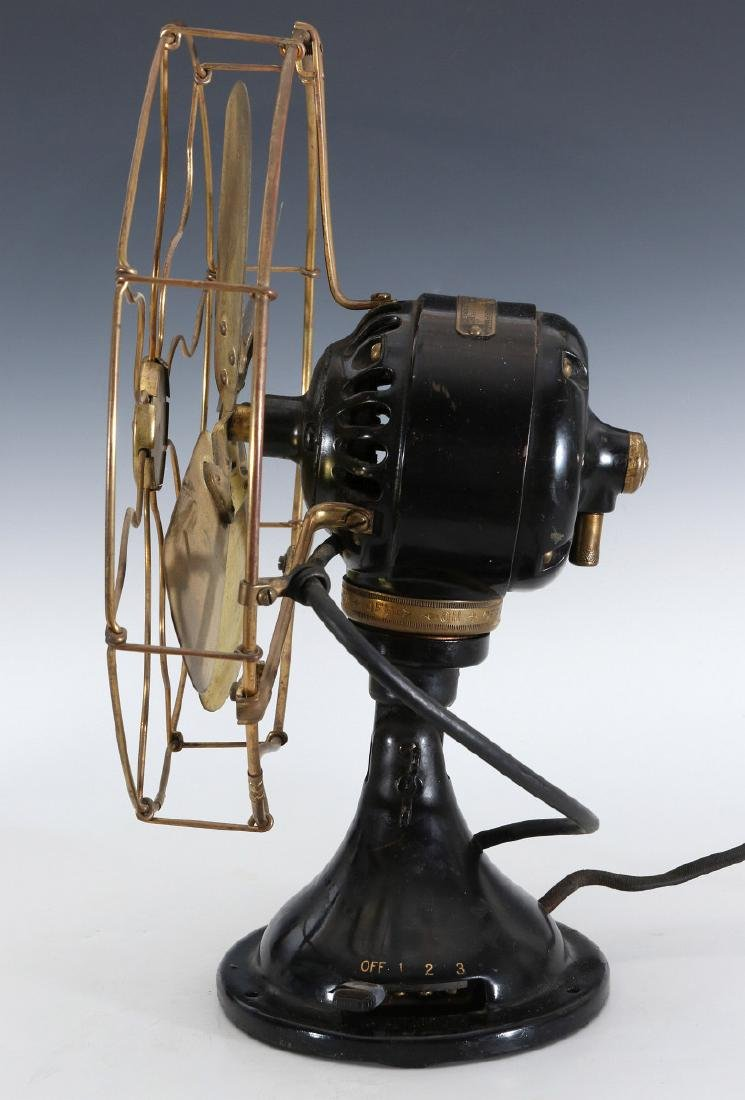 A GE COLLAR OSCILLATOR ELECTRIC FAN, CIRCA 1914 - 13