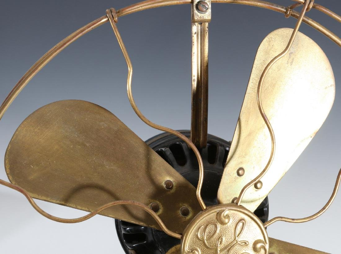 A GE COLLAR OSCILLATOR ELECTRIC FAN, CIRCA 1914 - 2
