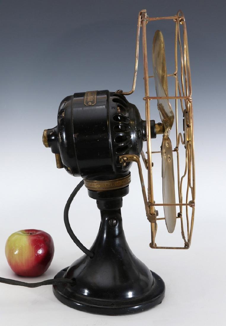 A GE COLLAR OSCILLATOR ELECTRIC FAN, CIRCA 1914 - 5