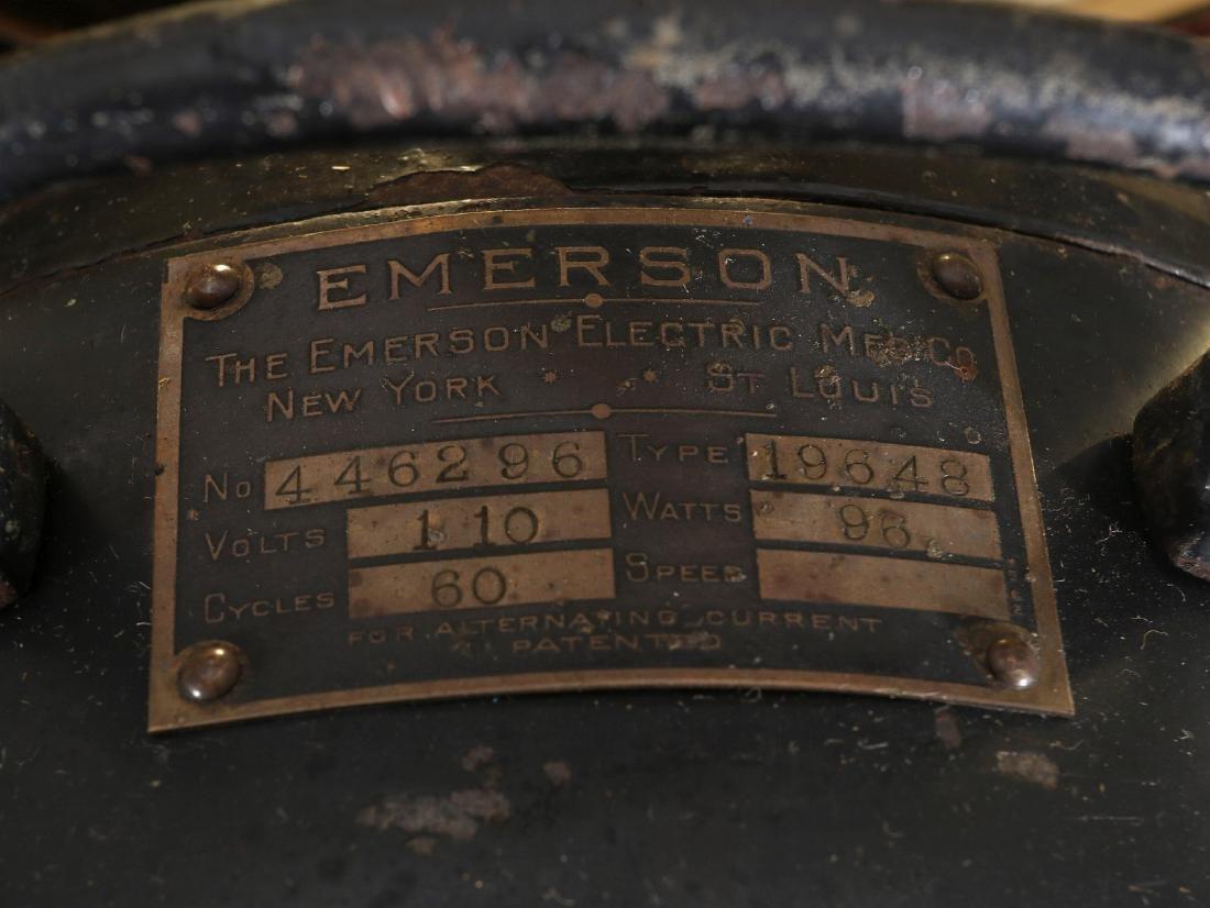 AN EMERSON ELECTRIC TABLE FAN WITH YOKE CIRCA 1914 - 10