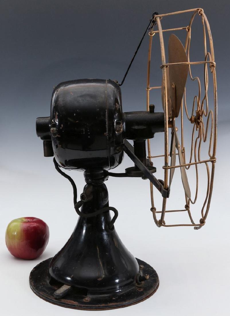 A PEERLESS FRONT-END OSCILLATING FAN CIRCA 1914 - 5