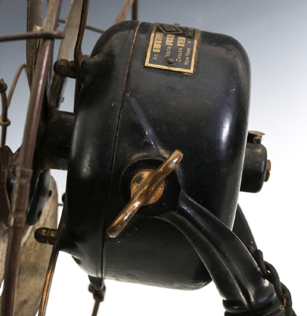 AN EMERSON RIBBED BASE & YOKE ELECTRIC FAN C. 1906 - 7