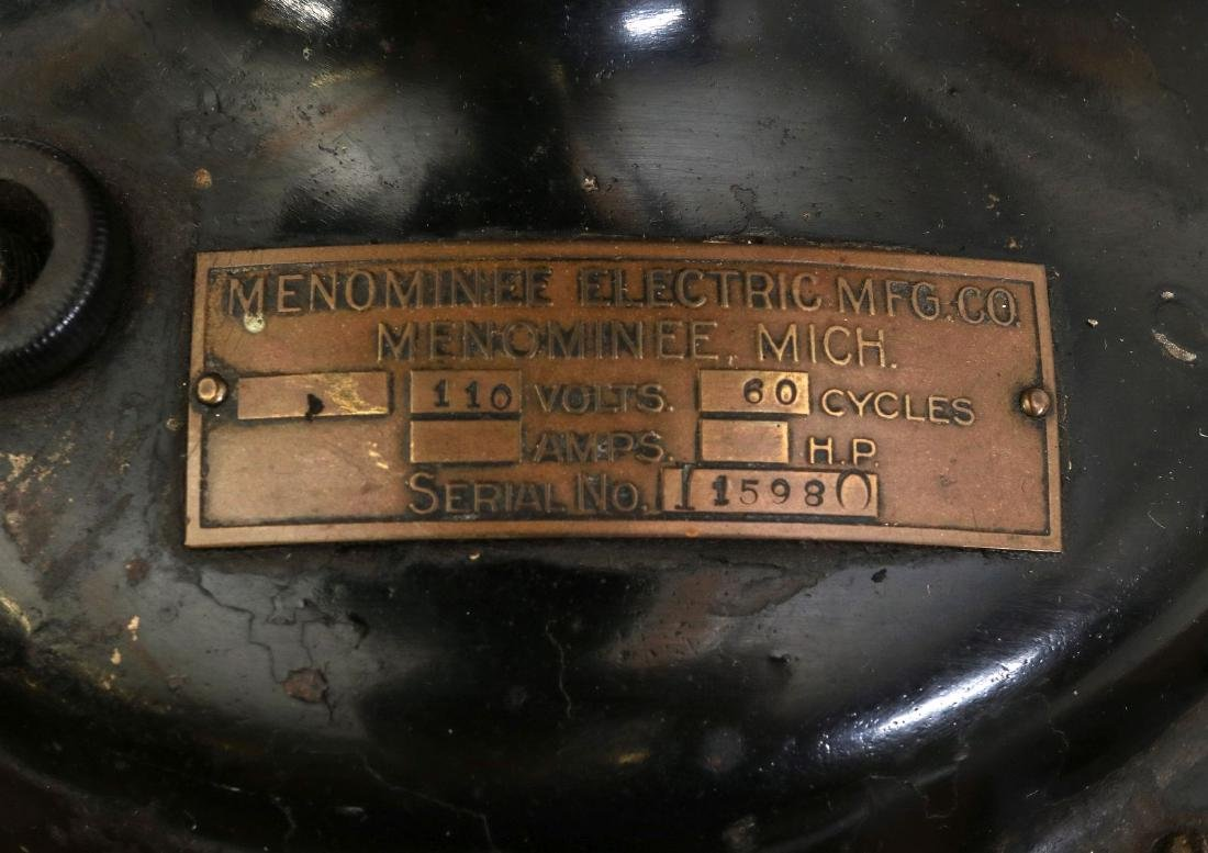 A MENOMINEE TAB-FOOT FAN, CIRCA 1912 - 10