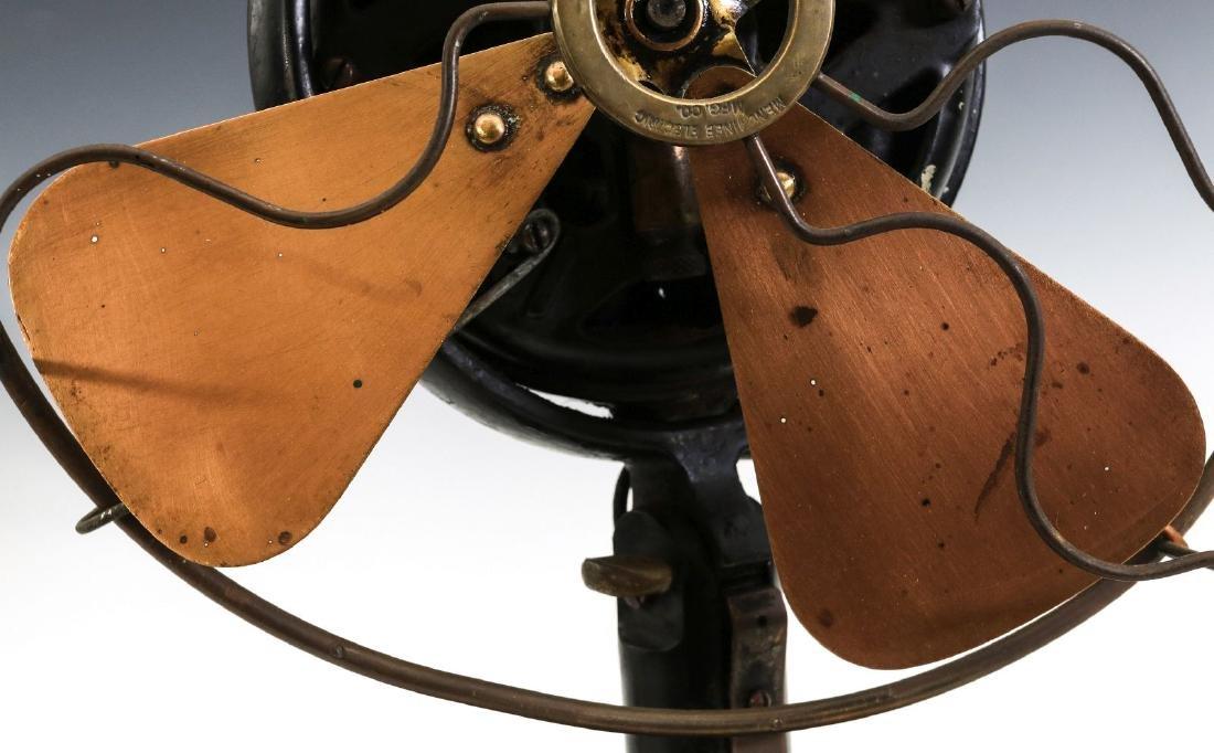 A MENOMINEE TAB-FOOT FAN, CIRCA 1912 - 3