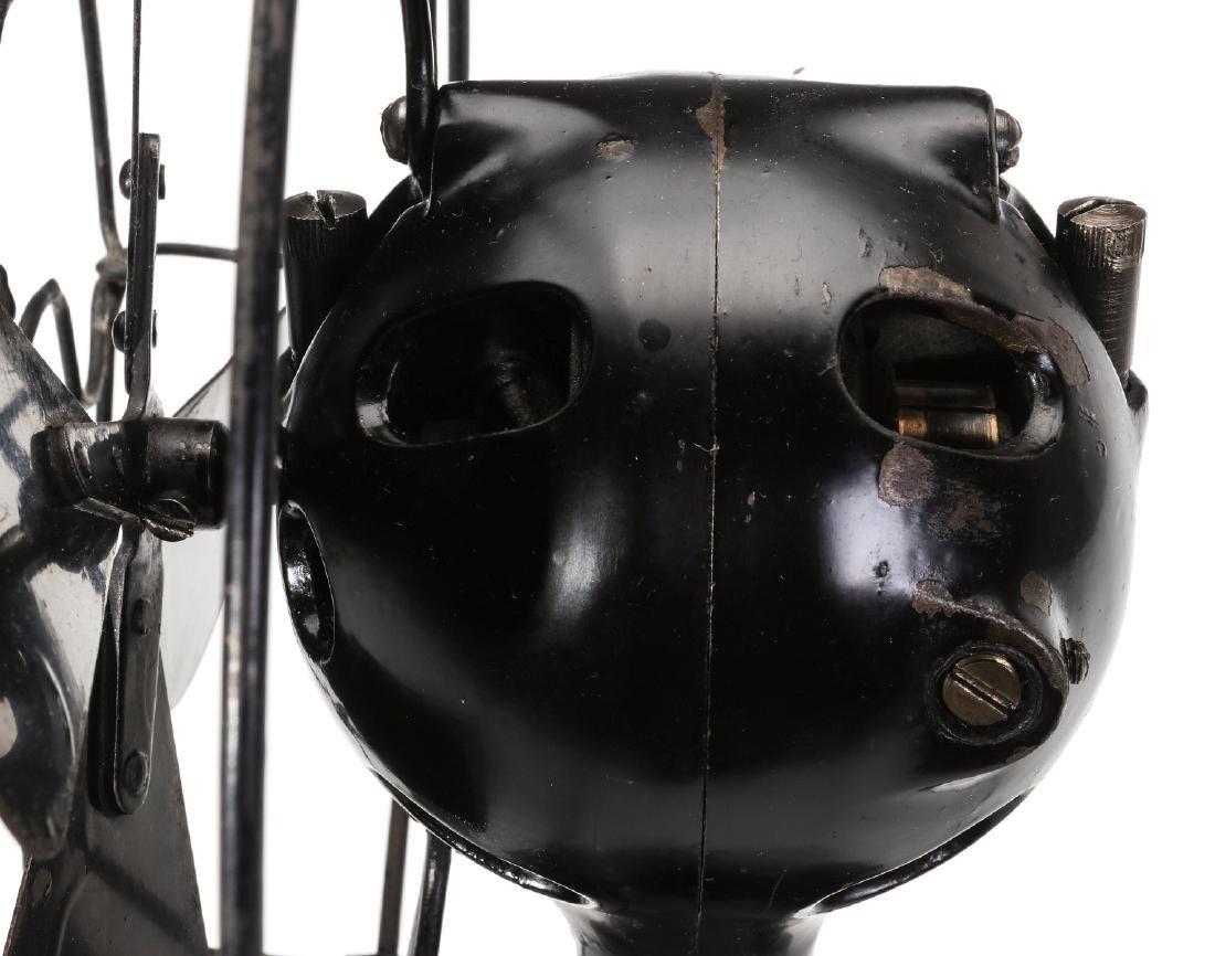 A MENOMINEE AC/DC ELECTRIC FAN W/BALL SHAPE MOTOR - 6