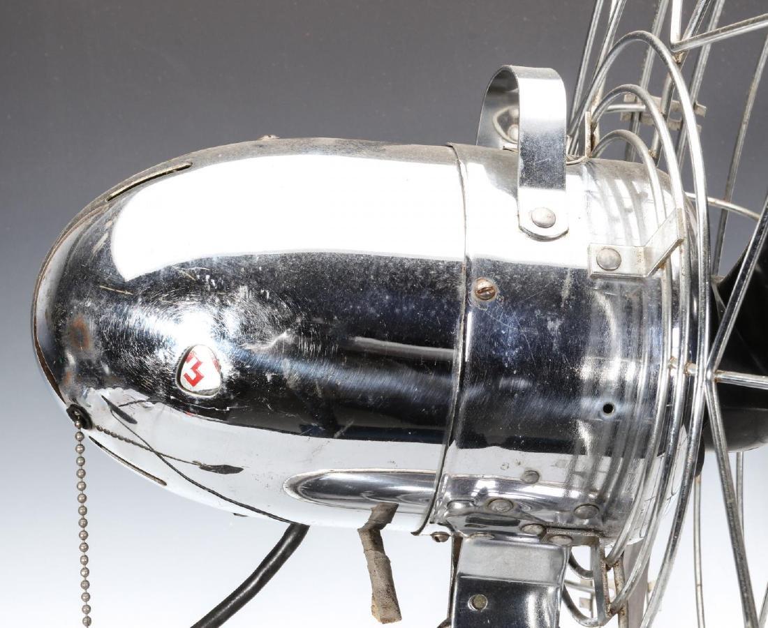 A FRESH'ND-AIRE CIRCULATOR MODEL 17 ELECTRIC FAN - 6