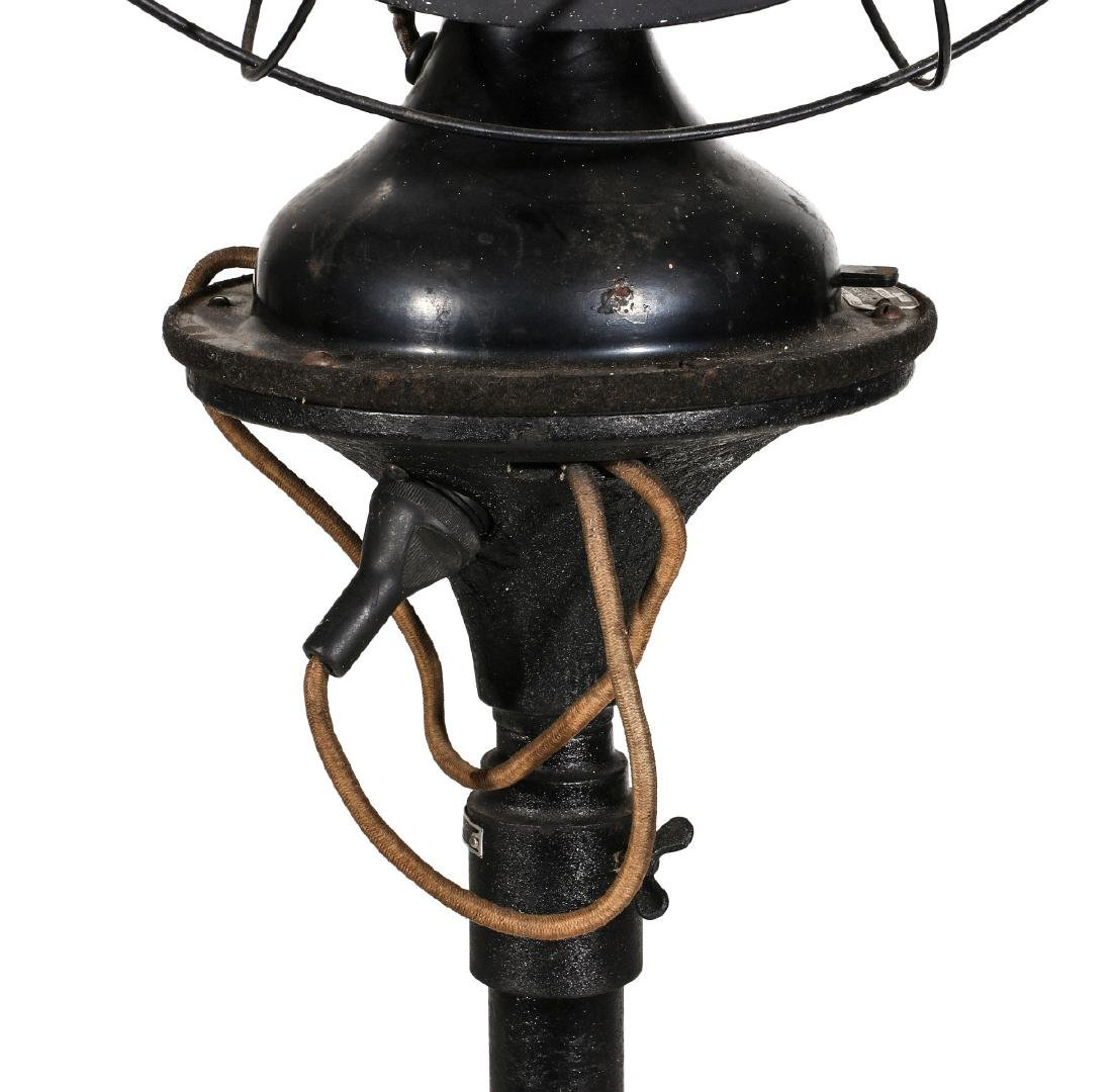 A ROBBINS & MYERS FLOOR STANDING FAN CIRCA 1930s - 7