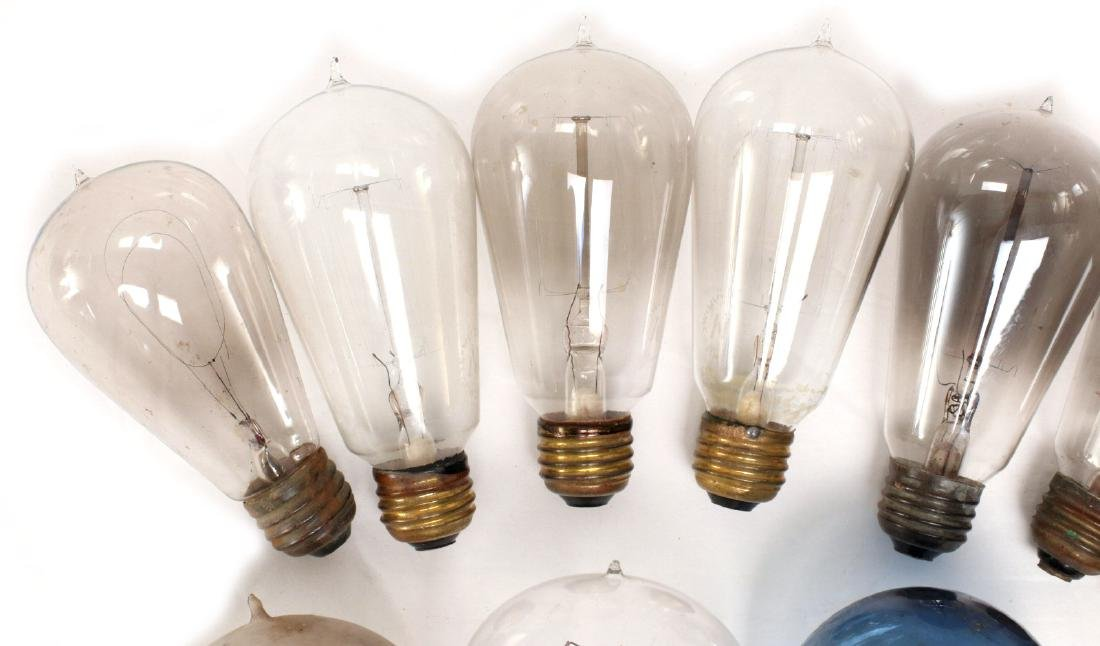 A COLLECTION OF TIPPED AND OTHER EARLY LIGHT BULBS - 2