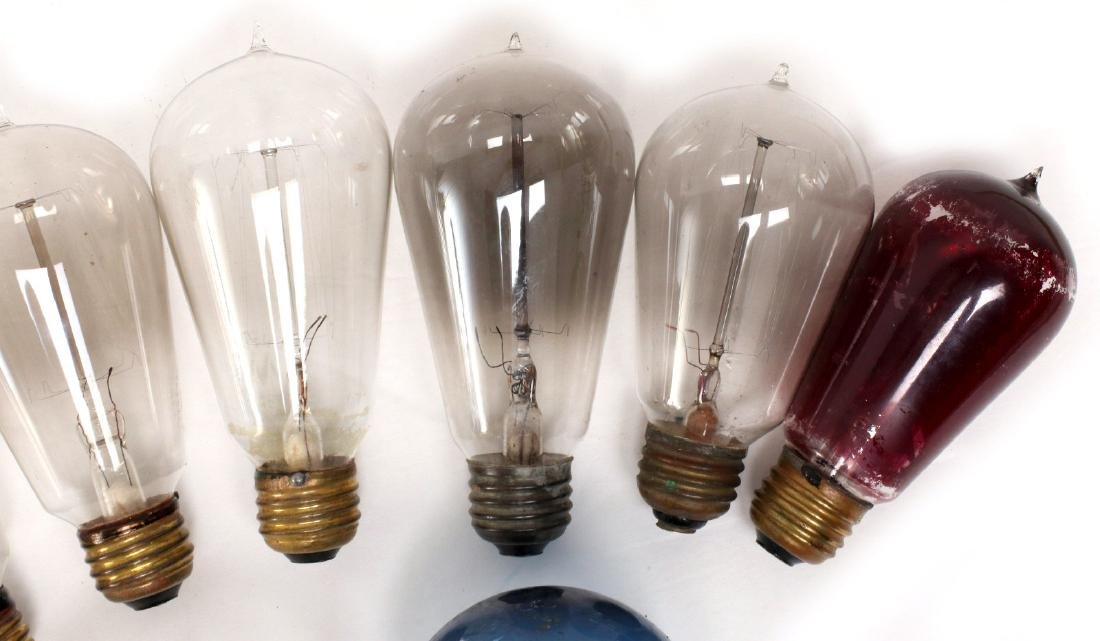 A COLLECTION OF TIPPED AND OTHER EARLY LIGHT BULBS - 3