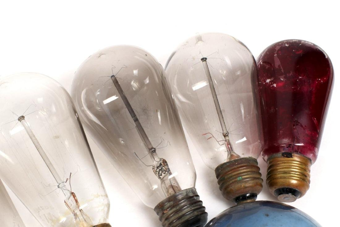 A COLLECTION OF TIPPED AND OTHER EARLY LIGHT BULBS - 7