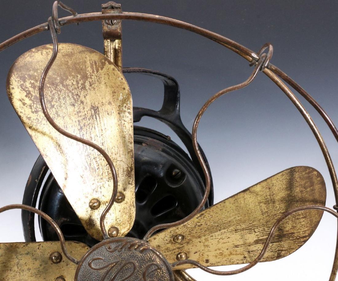 A HUNTER ELECTRIC FAN CIRCA 1901 - 2
