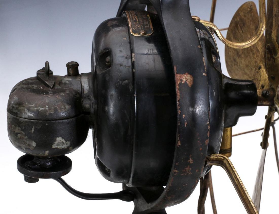 A HUNTER ELECTRIC FAN CIRCA 1901 - 6