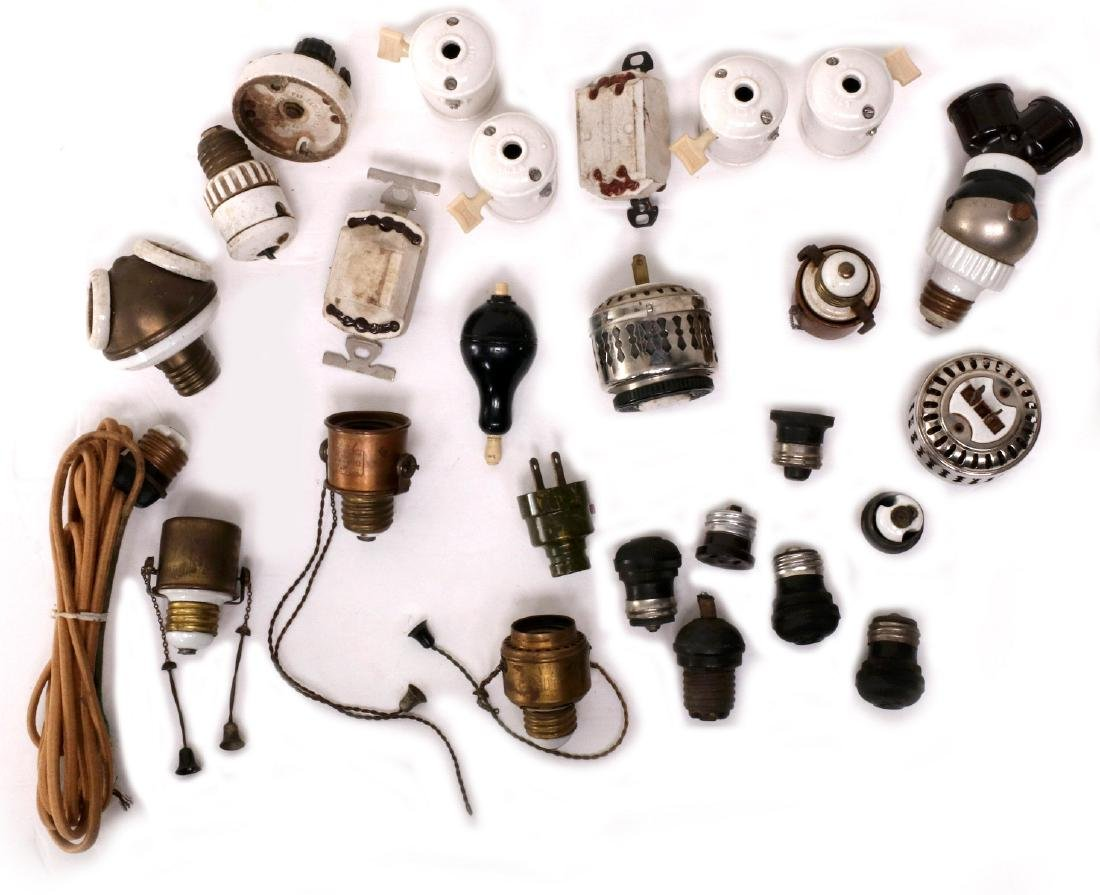 A LARGE LOT OF EARLY ELECTRICAL TECHNOLOGY ITEMS