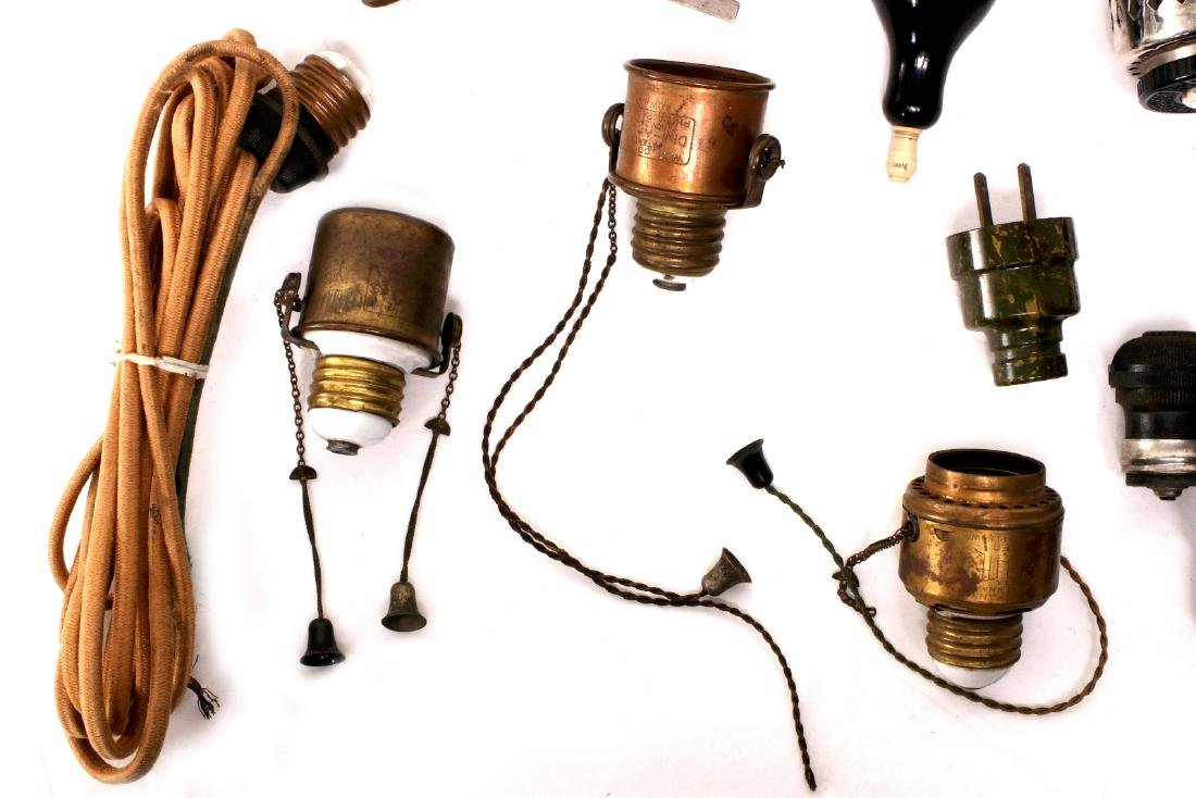 A LARGE LOT OF EARLY ELECTRICAL TECHNOLOGY ITEMS - 5