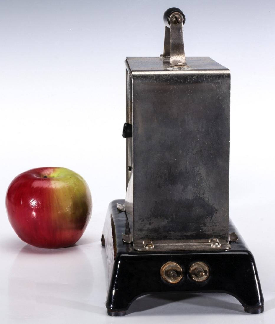 A SIMPLEX T-211 VAR 1 ELECTRIC TOASTER, CIRCA 1909 - 3