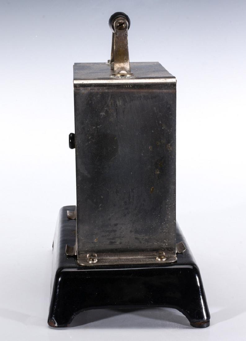A SIMPLEX T-211 VAR 1 ELECTRIC TOASTER, CIRCA 1909 - 5
