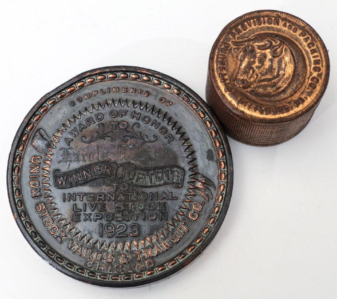 1923 STOCKMEN TABLE MEDAL AND PAPERWEIGHT