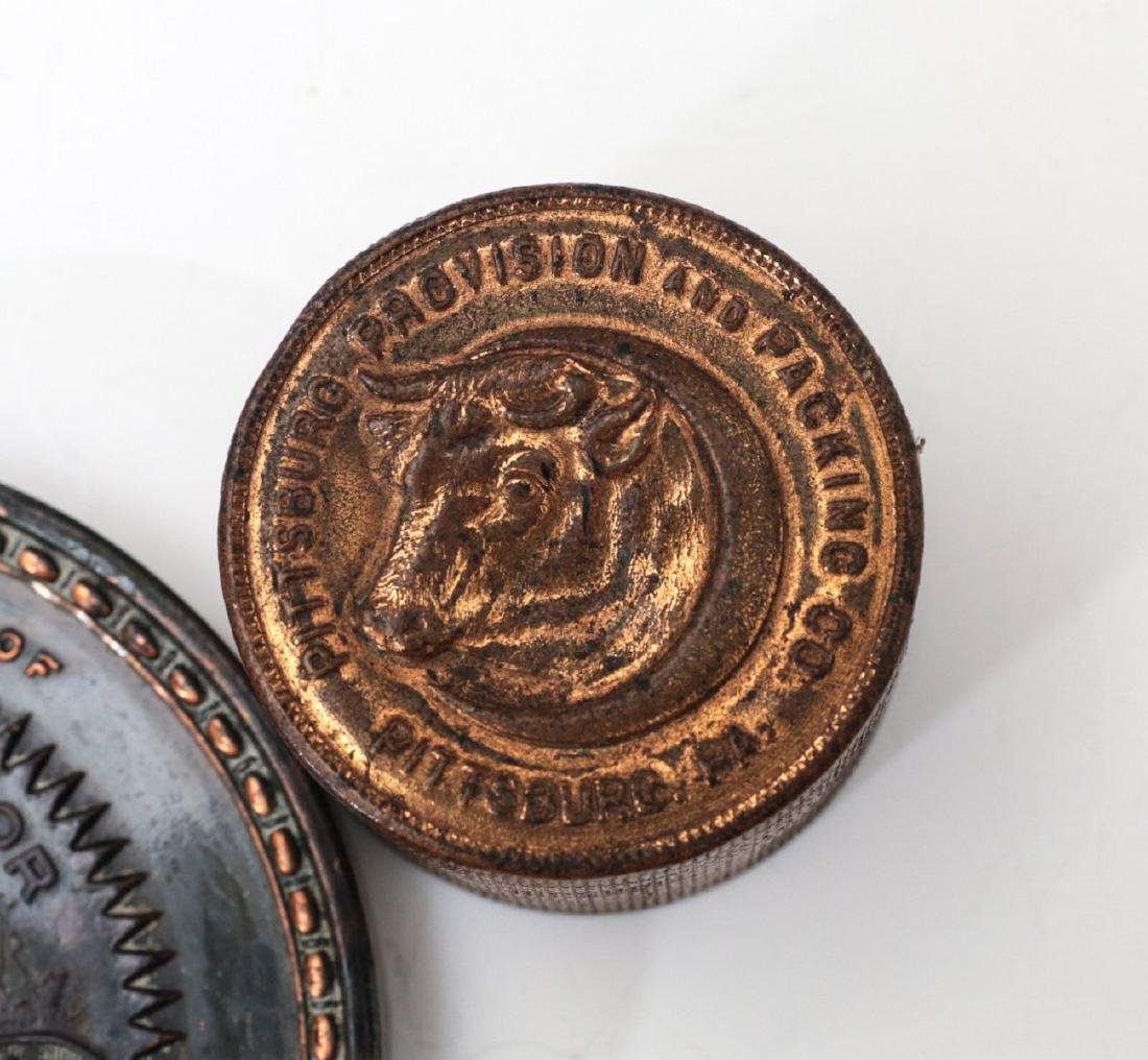 1923 STOCKMEN TABLE MEDAL AND PAPERWEIGHT - 4