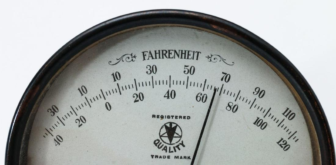 DES MOINES SADDLERY CO. ADVERTISING THERMOMETER - 2