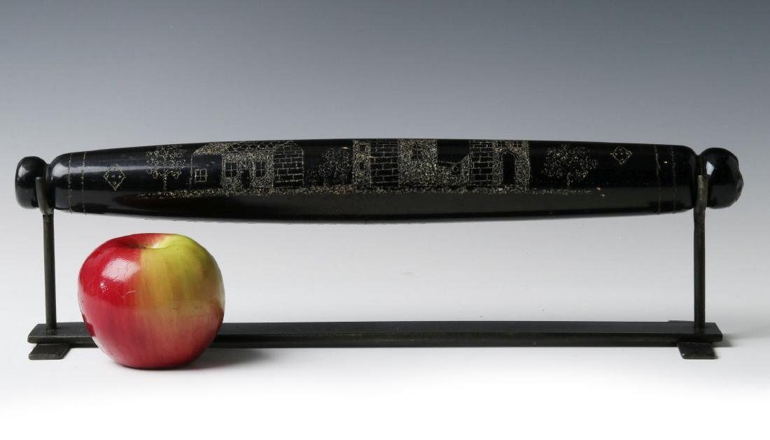 A 19TH CENTURY ENGRAVED BLOWN GLASS ROLLING PIN - 2