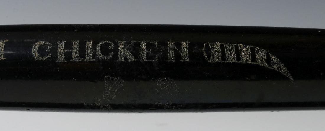 A 19TH CENTURY ENGRAVED BLOWN GLASS ROLLING PIN - 8