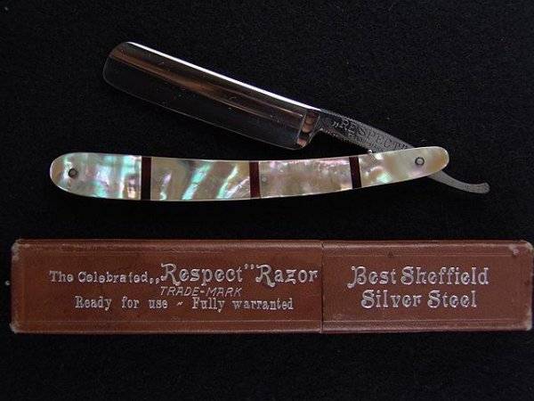 2012: RARE PEARL & HORN HANDLE STRAIGHT RAZOR, MINT BOX
