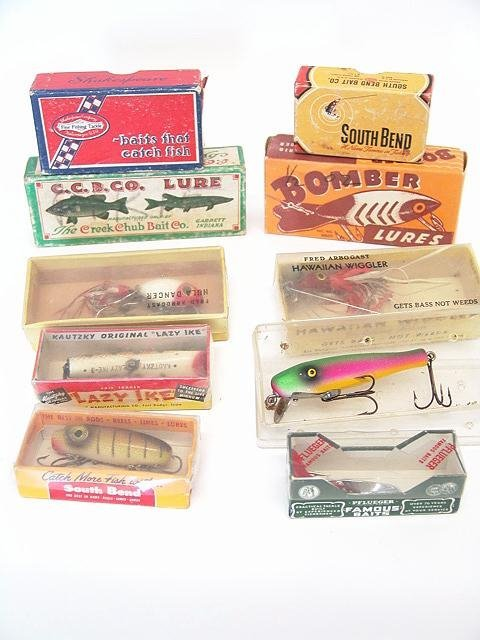 1: LOT OF VINTAGE BOXED FISHING LURES