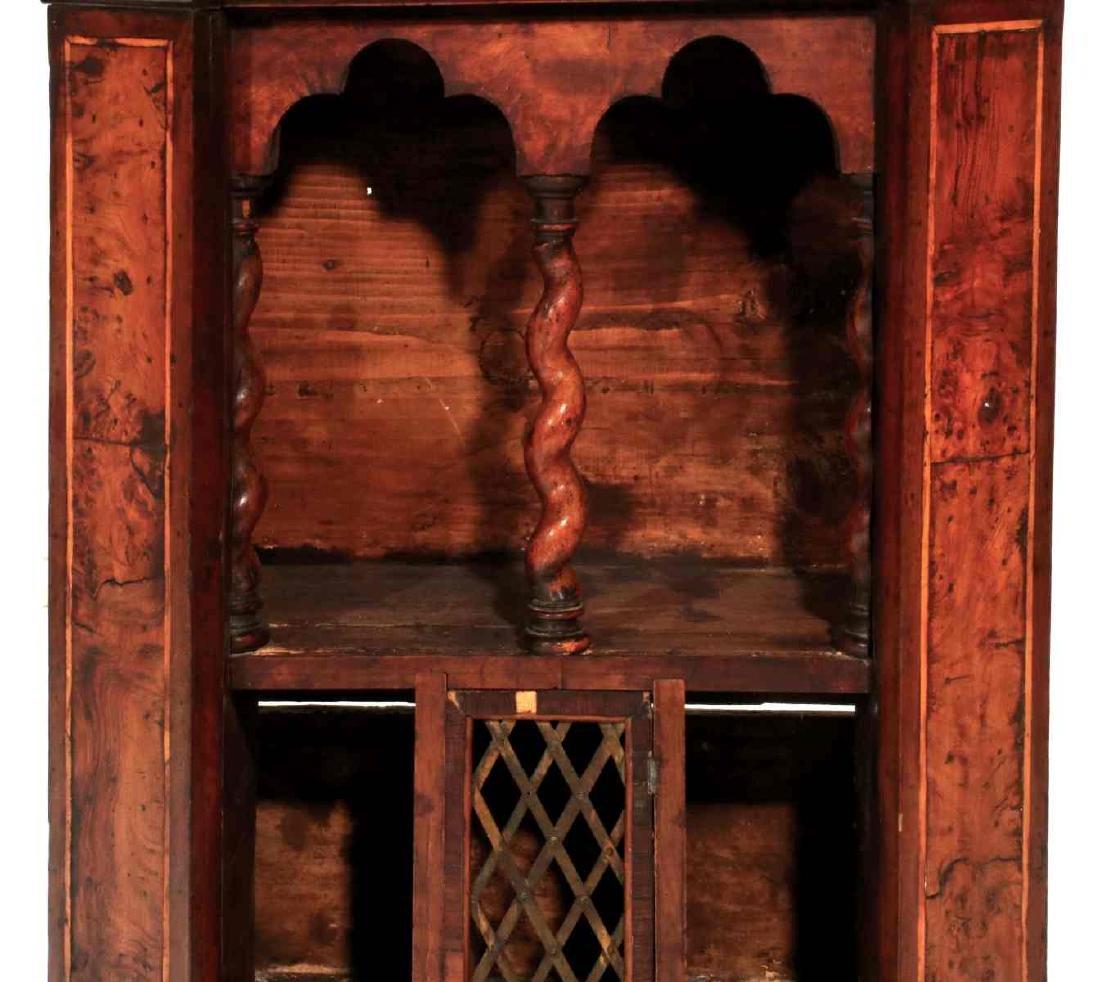 AN 18TH CENTURY ITALIAN WALNUT INLAID CABINET - 5