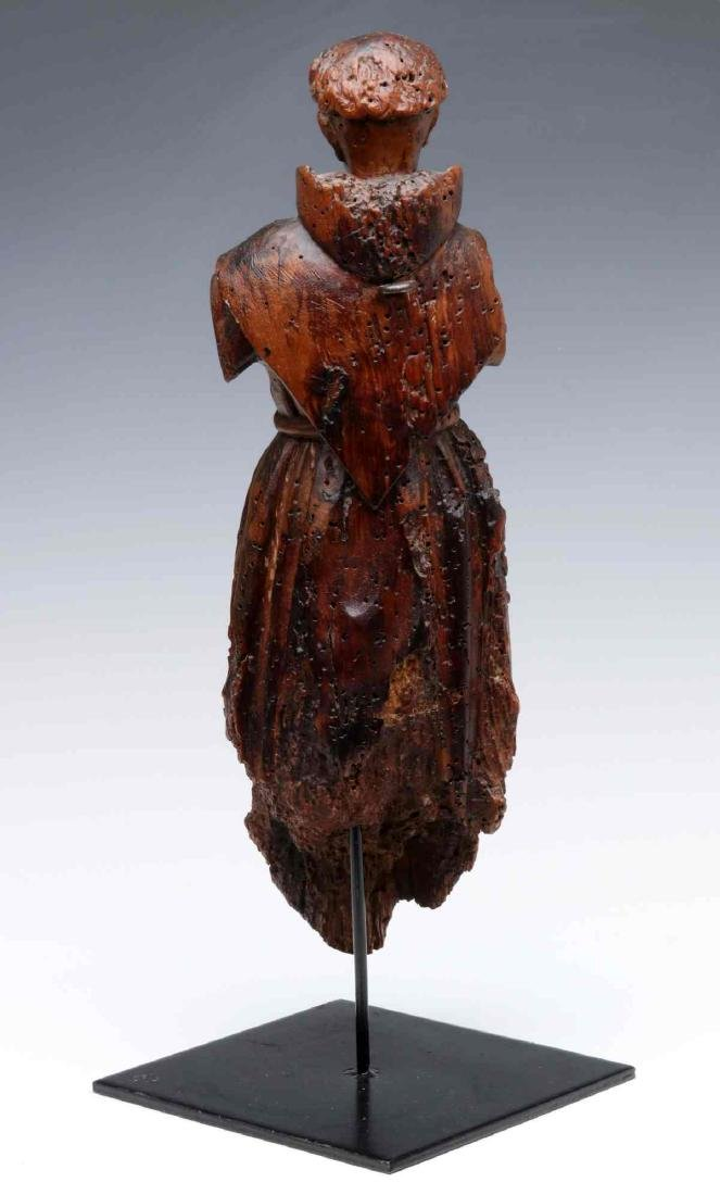 A 17TH CENTURY FLEMISH CARVED WOOD FIGURE OF MONK - 8