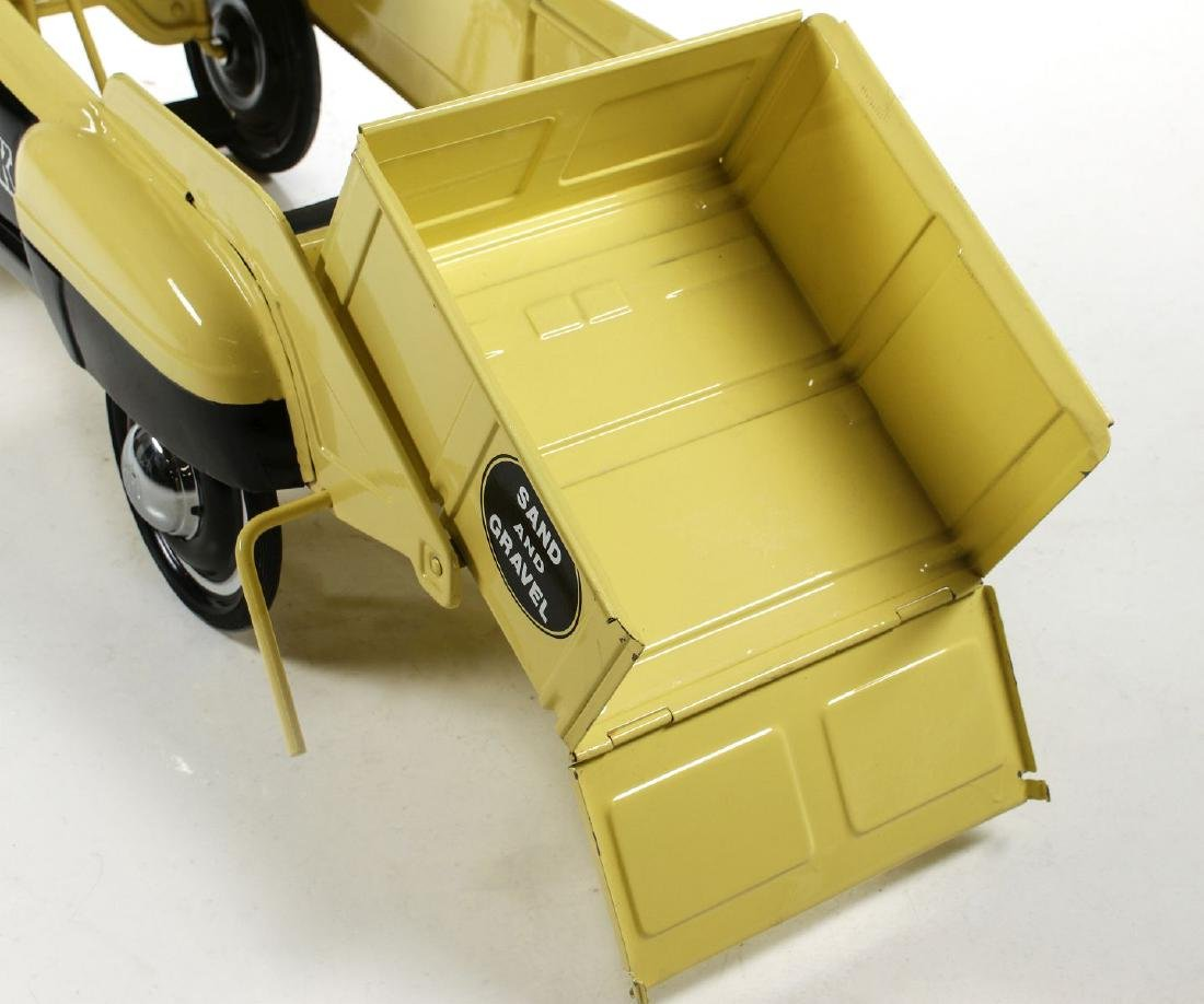 A GOOD MURRAY SAND AND GRAVEL DUMP BED PEDAL CAR - 10
