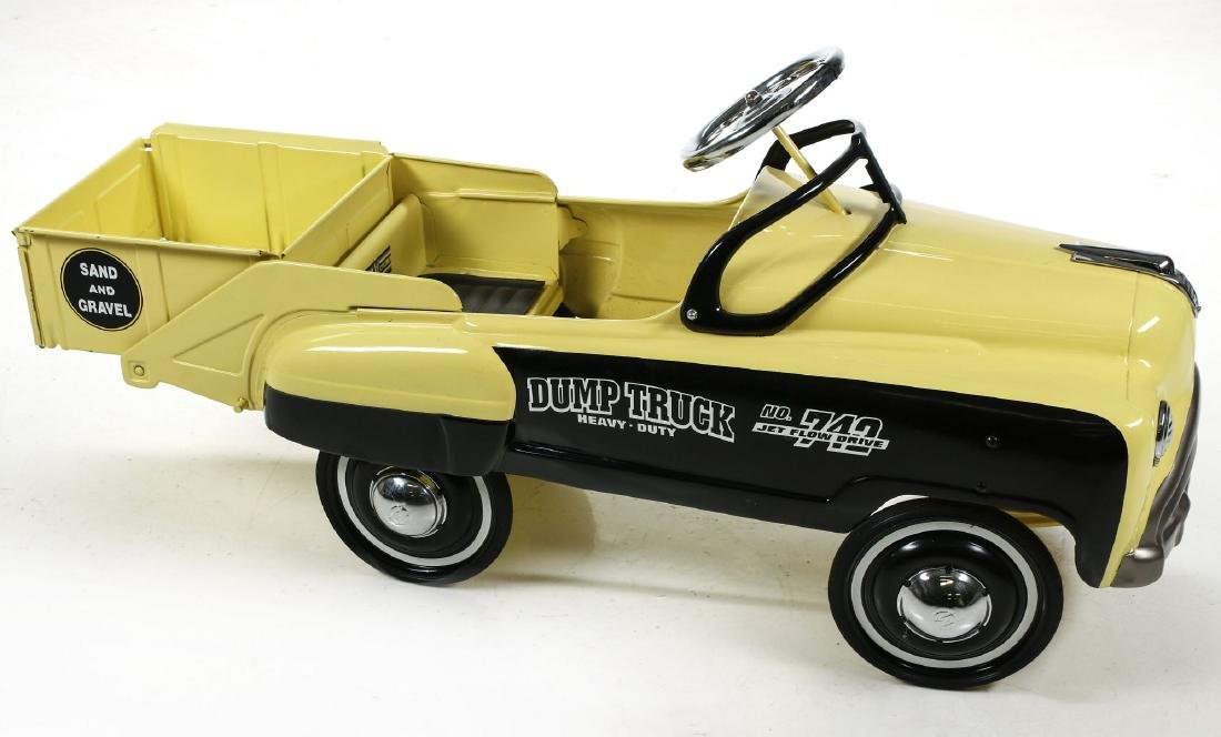 A GOOD MURRAY SAND AND GRAVEL DUMP BED PEDAL CAR