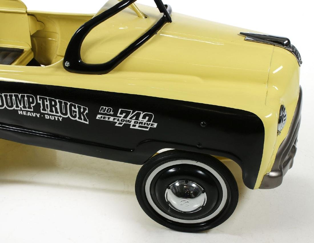 A GOOD MURRAY SAND AND GRAVEL DUMP BED PEDAL CAR - 3