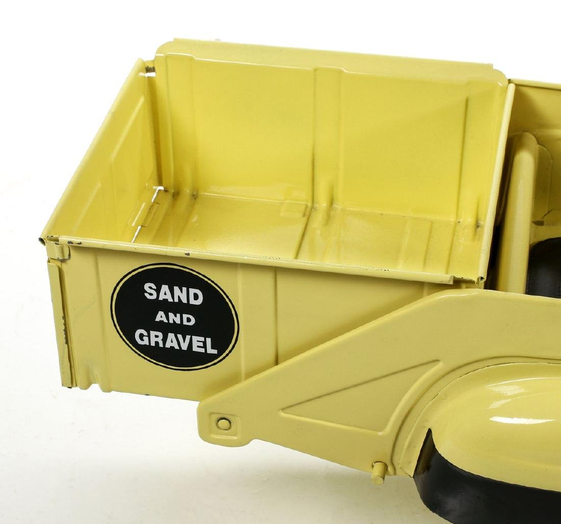 A GOOD MURRAY SAND AND GRAVEL DUMP BED PEDAL CAR - 5