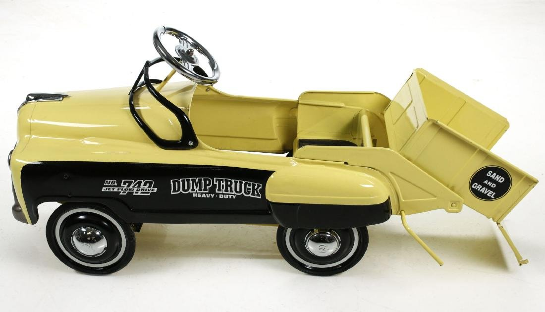 A GOOD MURRAY SAND AND GRAVEL DUMP BED PEDAL CAR - 9