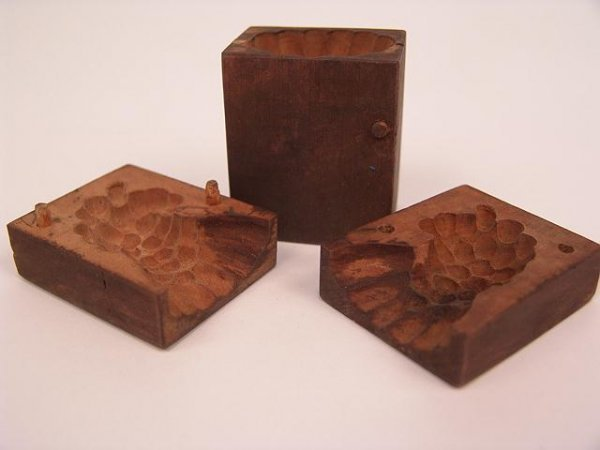 3012: PAIR OF EARLY GERMAN CANDY MOLDS