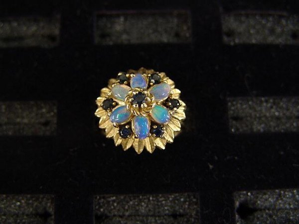 13: LADIES' 10K YEL GOLD OPAL & SAPPHIRE CLUSTER RING