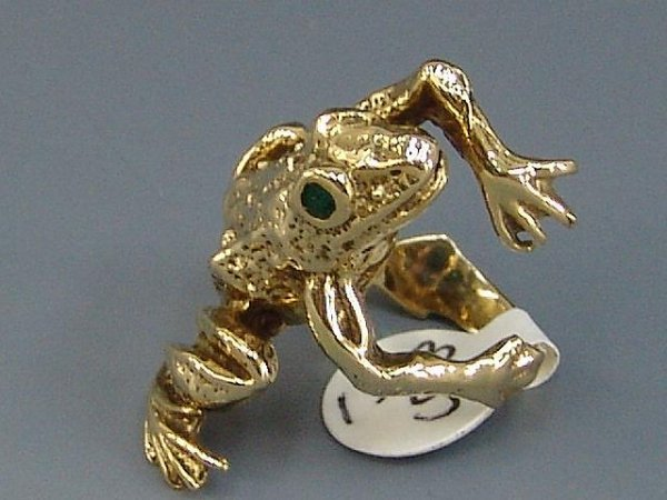 14: LADIES' 14K YEL GOLD FIGURAL FROG RING W/ EMERALD E - 3