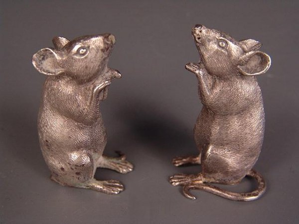 2500: PAIR OF TIFFANY & CO. STERLING SILVER MICE SALT &