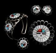 A SUITE OF ZUNI INLAID SUNFACE JEWELRY SIGNED LAAHTE