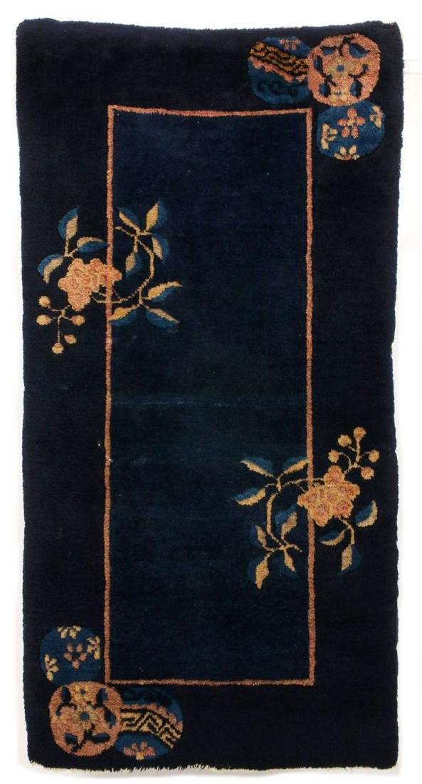 A GOOD CHINESE HAND MADE ART DECO WOOL SCATTER RUG