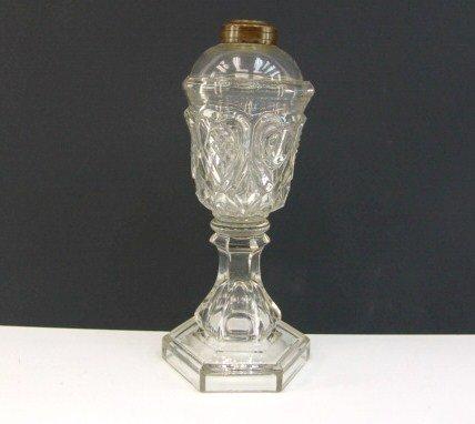673: FLINT GLASS OIL LAMP W/ HEARTS