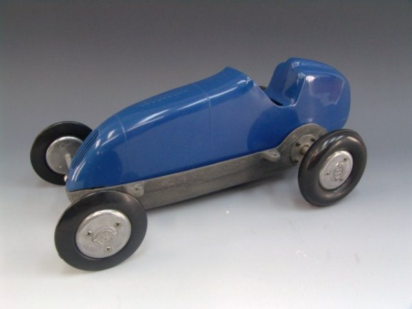 218: P-3 BLUE PLASTIC TETHER CAR, NO ENGINE