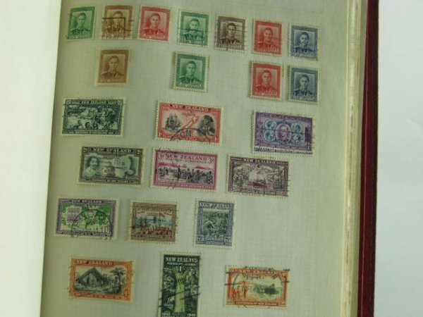 1001: 1000 STAMP COLLECTION BRITISH COLONIES 1900-1960 - 7