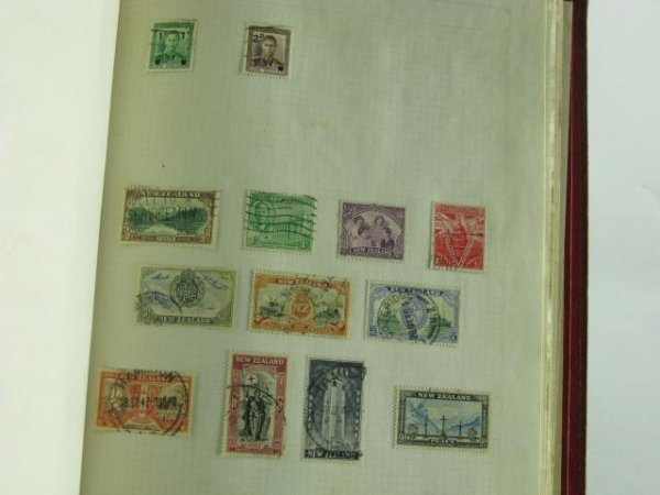 1001: 1000 STAMP COLLECTION BRITISH COLONIES 1900-1960 - 8