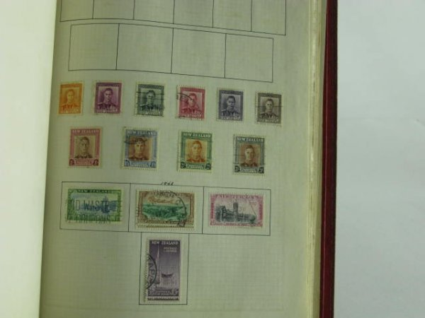 1001: 1000 STAMP COLLECTION BRITISH COLONIES 1900-1960 - 9